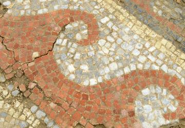 Crédits photos: Inrap/ L'une des mosaïques découvertes à Auch.