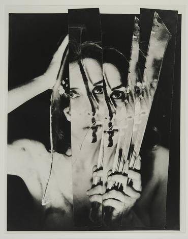 «Eye Body #11», Carolee Schneemann, 1963, silver gelatin print. Photo credit: Erró (35.6 x 27.9 cm).