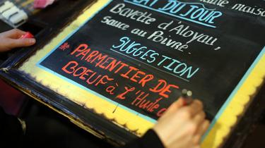 Au restaurant, les menus sont écrits pour vous influencer