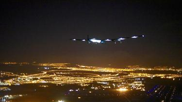 Solar Impulse 2 cloué au sol jusqu'en 2016
