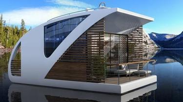 Le catamaran-hôtel, nouvelle star du lac