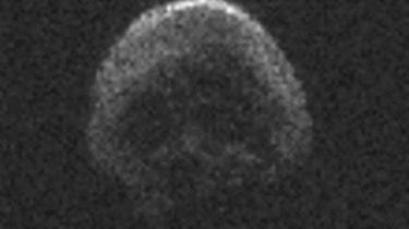 La comète qui frôlera la Terre pour Halloween ressemble à une tête de mort