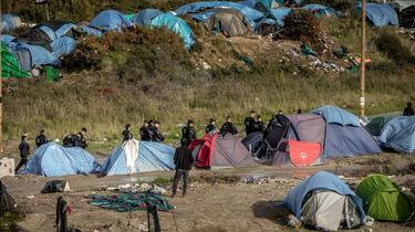 Calais: les forces de l'ordre se préparent à une nouvelle nuit tendue