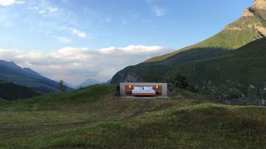 Une chambre d'hôtel en plein air en Suisse