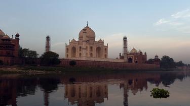 Le dôme du Taj Mahal en travaux pour retrouver son éclat