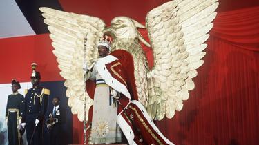 4 décembre 1977 : Bokassa s'autoproclame empereur lors d'un remake du sacre de Napoléon