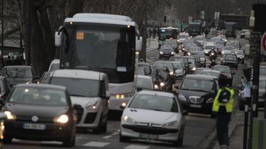 Péages urbains: les villes et les automobilistes sont contre le projet de loi