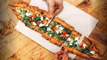 Pidè, solide pizza turque