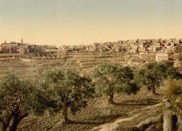 Autochrome de Bethléem <br/>en 1900. C'est dans ce village <br/>au sud de Jérusalem que Marie mit au monde Jésus de Nazareth.