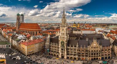 Le centre-ville, avec ses monuments historiques.