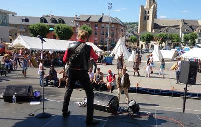 Chris Evans en concert au Country Western Festival de Mende (Lozère) en 2015.