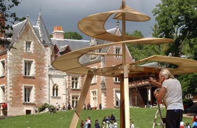 Vinci est décédé le 2 mai 1519, à 67 ans au château du Clos Lucé à Amboise.