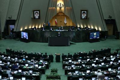 Initiative rarissime, le président Hassan Rohani a été convoqué le 28 août devant le Parlement.