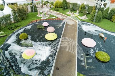 Vue aérienne sur les deux bassins du «grand jardin».
