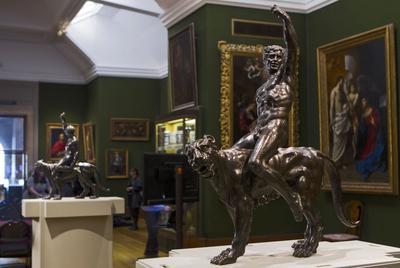 En 2014, un professeur avait découvert un dessin ressemblant aux sculptures, copie réalisée par un élève de Michel-Ange.