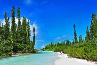L'île des Pins en Nouvelle-Calédonie, paradis tropical baigné d'eaux cristallines.