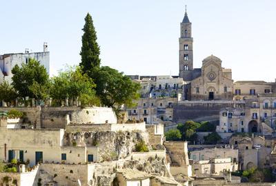 Matera, un enchevêtrement de maisons creusées dans le roc.