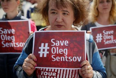 Manifestation à Kiev, le 1er juillet, pour la libération du réalisateur et des prisonniers politiques enfermés en Russie