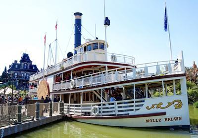 Le Molly Brown, bateau piloté par Mélodie à Disneyland Paris cet été, dans l'attraction Riverboat Landing