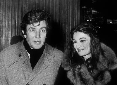 Albert Finney et son épouse Anouk Aimée en 1975.
