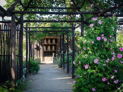 Dans le jardin du Prieuré de Locmaria. Photo: ville de Quimper.