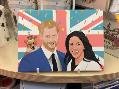 Carte postale festive, créée par un artiste londonien du collectif auquel la boutique a fait appel.