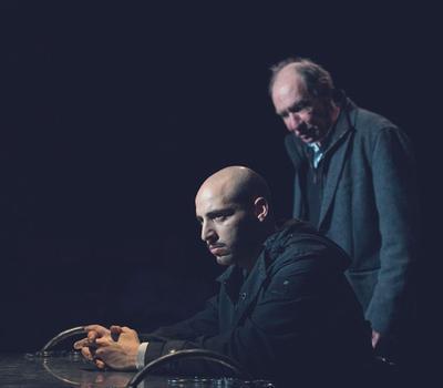 Jean-Pierre Baudson et Grégory Carnoli dans «La Route du Levant», mis en scène par Jean-Michel Van den Eeyden.