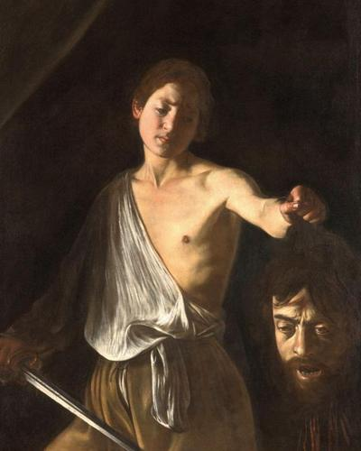 David avec la tête de Goliath, 1606-1607 ou 1609-1610 (Rome, Galleria Borghese). La tête du Philistin est un autoportrait du peintre. Le visage de l'éphèbe est tendu jusque dans la victoire. L'œuvre est emblématique du procédé qui donne à la lumière le premier rôle: celle du deus ex machina. Elle est aussi symptomatique de l'atmosphère d'angoisse dont Caravage nimbe la peinture d'un monde livré à la violence et au péché.