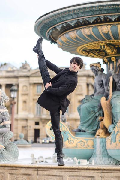 Allister Madin part en Nouvelle-Zélande pour un congé sans solde de douze mois qu'il pourra, comme chaque danseur du Ballet de l'Opéra, prolonger d'une année sabbatique.