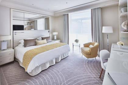 Les chambres constituent pour le visiteur un premier choc esthétique.