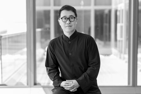 Doryun Chong, directeur adjoint et conservateur en chef du musée M+ futur pôle culturel de Hongkong.