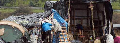 Dans la «nouvelle jungle» de Calais, la vie s'organise