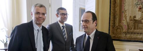 François Hollande reçoit les patrons d'Alcatel et Nokia et soutient le projet de fusion