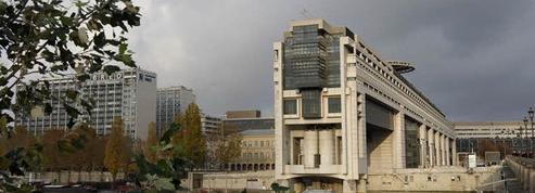 Ils ont fauché des chaises chez HSBC et BNP Paribas, et les remettent au fisc