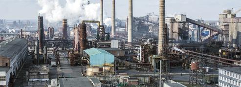 Ukraine : les fours de l'usine d'Avdiivka sous le feu de la guerre du Donbass