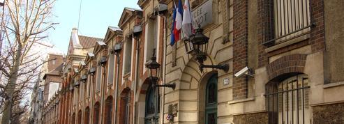Paris: le boom des boursiers au lycée agace