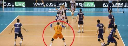 Pourquoi un joueur porte un maillot différent en volley