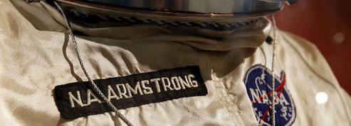 Les internautes ont un mois pour sauver la combinaison spatiale de Neil Armstrong