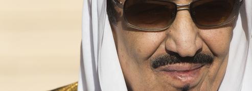 Les exigences estivales du roi saoudien scandalisent la droite