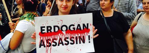 À Paris, les Kurdes se mobilisent contre les frappes de la Turquie