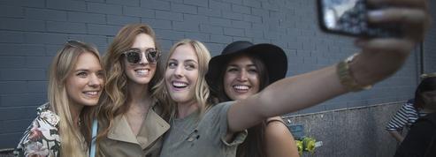 Les réseaux sociaux changent notre façon d'acheter des vêtements