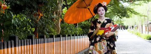 Kyoto livre son guide des bonnes manières à l'attention des touristes
