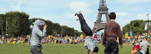 Près de 70.000 personnes à Paris pour la journée des oubliés des vacances
