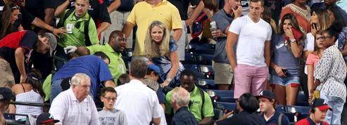 Un supporter meurt après une chute dans les tribunes en plein match de baseball