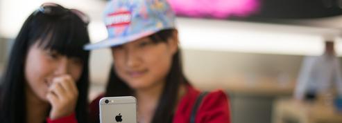 Un Pékinois doit travailler cinq fois plus qu'un Parisien pour s'acheter un iPhone 6