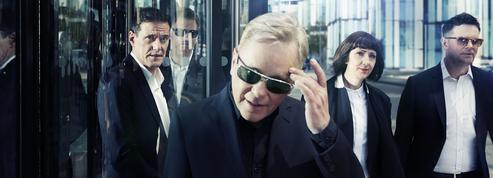 New Order : retour en odeur de synthés