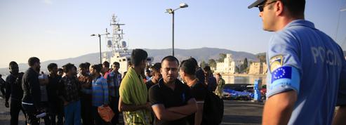 Migrants: Paris prône un «Eurocorps» de gardes frontières