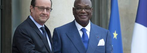 Le président malien à Paris pour consolider la paix