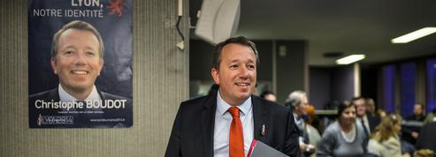 Régionales : en Auvergne-Rhône-Alpes, le FN affiche sa proximité avec les identitaires