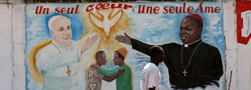 Le pape accueilli à Bangui par l'«archevêque de la paix»